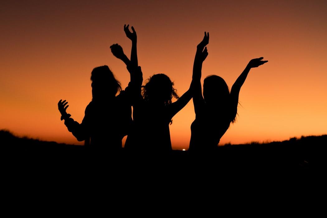Lightbox Loves: A Dance Challenge