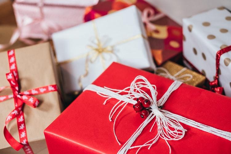 Lightbox Loves: Christmas Shopping in the Summer